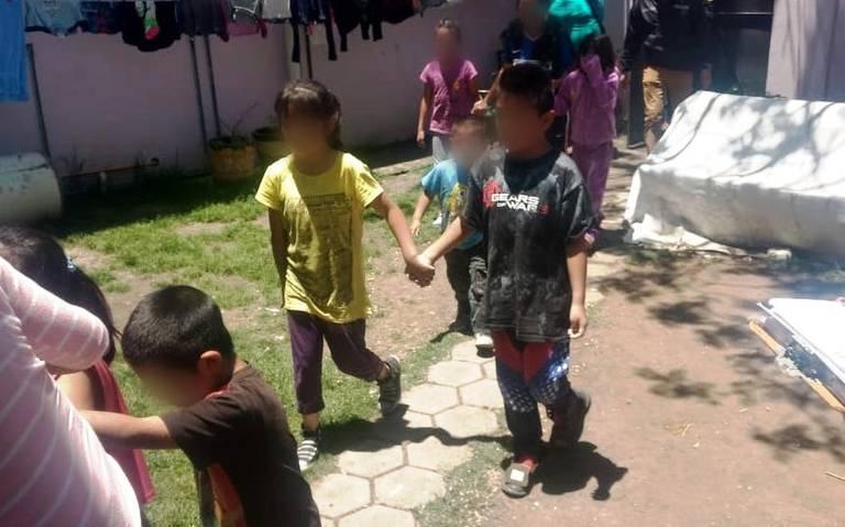 Rescatan en Atizapán a cuatro mujeres y doce menores privados de su libertad
