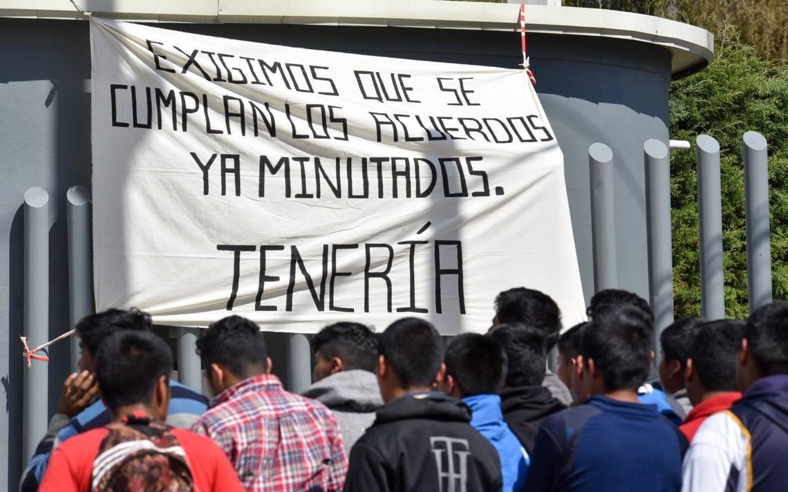 Roban normalistas camiones con mercancía en Tenancingo - El Sol de Toluca